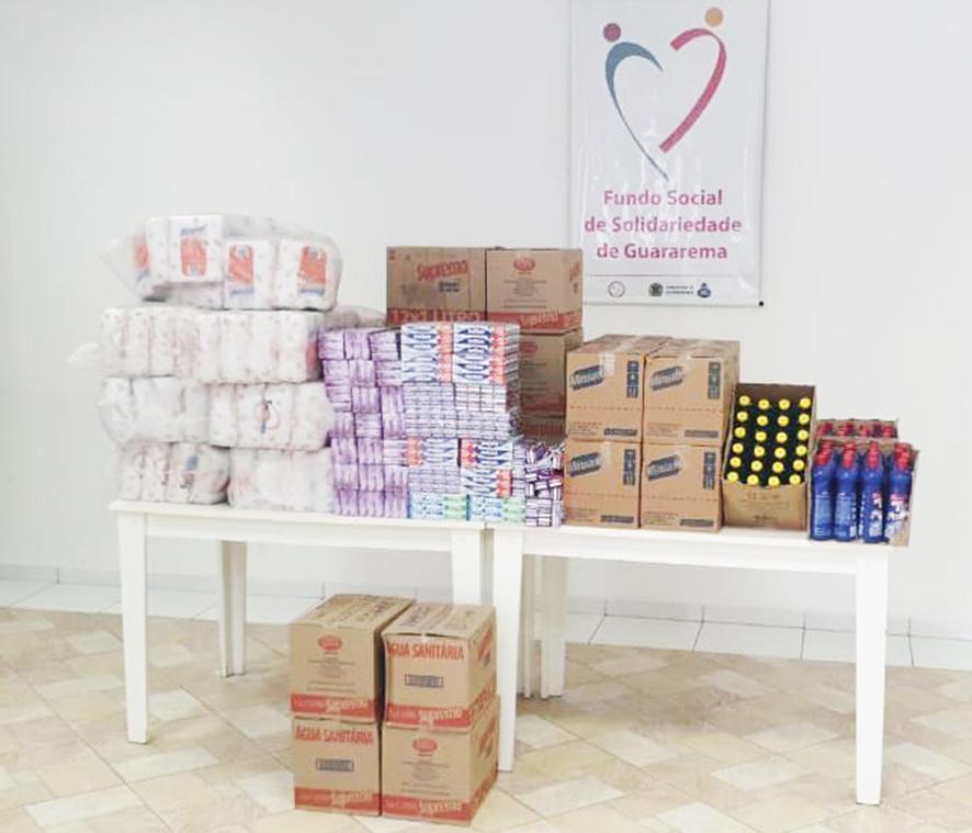 You are currently viewing Vereadores doam produtos de higiene e limpeza ao Fundo Social de Solidariedade