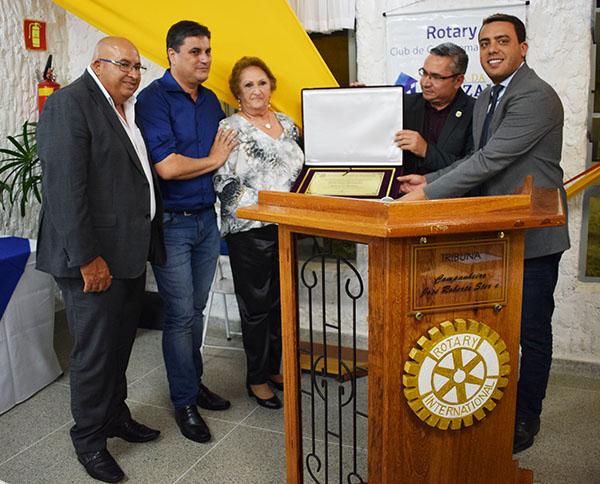 You are currently viewing Câmara Municipal faz homenagem à Cleide Usier Hernandes